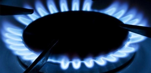 midia-indoor-cotidiano-eocnomia-fogao-cozinhar-cozinha-fogo-boca-energia-chama-gas-natural-botijao-aumento-alta-preco-comida-alimentacao-alimento-1381499390162_615x300